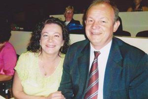 Manželia Eva a Jaroslav Kmecovci. Sobášilii sa v máji a sú spolu už 24 rokov.