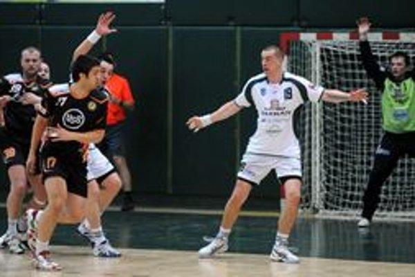 V strehu. Na snímke z prvého finále sú zľava Čorej, Farkašovský, Tumidalský a Krupa.
