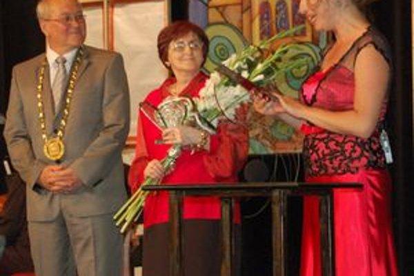 Lekárka Soňa Bazlerová. Ocenili ju za jej prácu pre Sabinov a obyvateľov mesta a okolia.