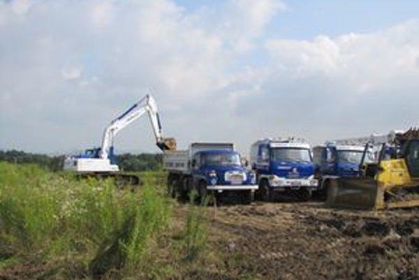 IPZ Záborské. Stavebné práce na novom závode sa už začali.