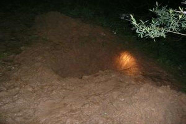 Hrob, v ktorom našli obeť vraždy.