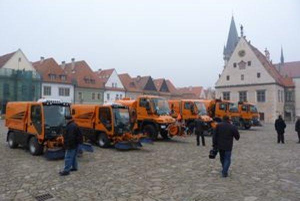 Bardejov bol v internetovej ankete vyhlásený za najkrajšie mesto na Slovensku. V jeho uliciach pribudli nové čistiace stroje a zametače.