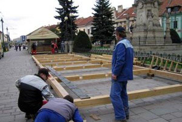 Letné terasy sa o pár dní stanú opäť koloritom prešovskej Hlavnej ulice.