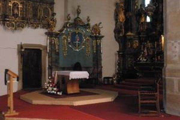 Interiér kostola. Nadobudne novú podobu.