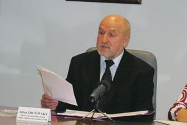 Július Zbyňovský. Očkovať proti chrípke sa dá už koncom septembra, imunita trvá trištvrte roka.