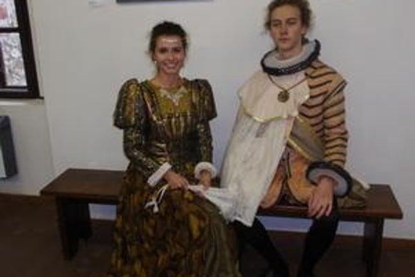 Jozef Frajkor a Lucia Salokyová. Byť aspoň na chvíľu Habsburgovcami sa im páčilo.