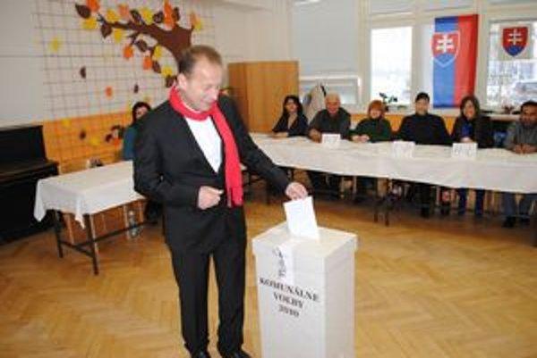 Pavel Hagyari volil na ZŠ na Kúpeľnej ulici.