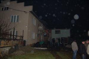 Dom v Lascove, kde sa žili nebohí manželia. Polícia bola na mieste do neskorej noci.