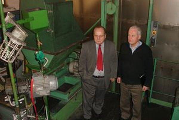 Michal Kolcun. Konateľ firmy KFŠ - Delta (na snímke vľavo).