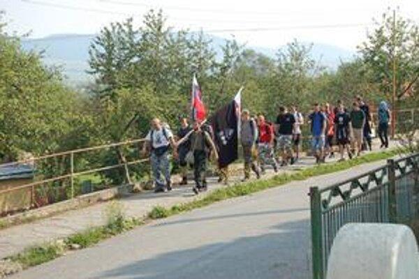Pochod. Približne 60-kilometrovú trasu z Prešova do Spišského Podhradia plánovali zdolať za pol dňa.