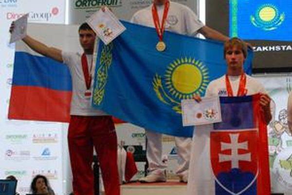 Dvakrát bronzový. Jakub Hudák (vpravo) skončil na MS dvakrát tretí.