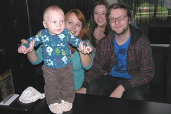 Rodinný klan. Katka, Matej, Veronika a Martin.