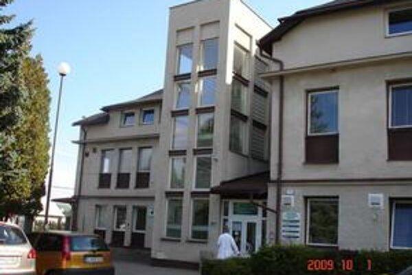 Bardejovská nemocnica zažila v stredu policajnú raziu.
