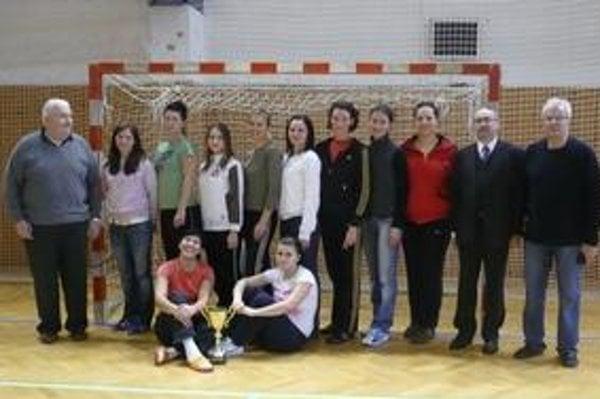 Bronzové Prešovčanky. Reprezentantky Prešovskej univerzity obsadili tretie miesto.