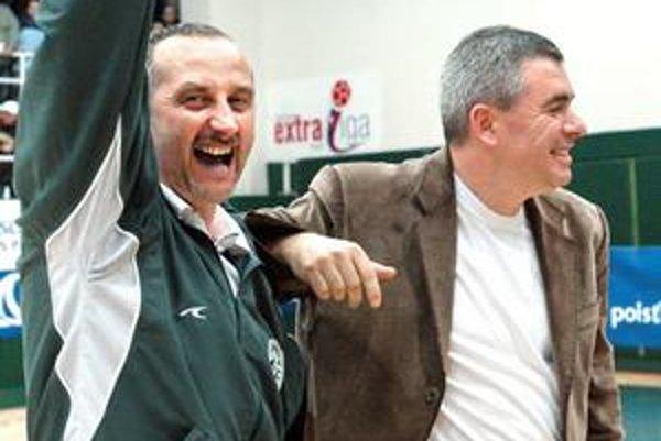 Zase spolu. Majiteľ M. Chmeliar (vpravo) odobril Žuravľovov návrat.