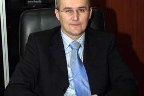 Nový krajský predseda SDKÚ-DS O. Matej si verí.