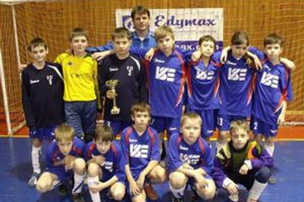 Futbalové nádeje. Text k foto: Partizán 98 skončil zo slovenských tímov najvyššie.