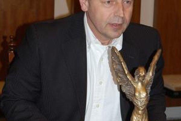 Pavel Hagyari. S rektorom PU sa dohodol na výstavbe sochy.