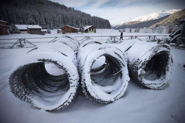 V zasneženom Davose sa po roku znova zišli politici a ekonómovia.