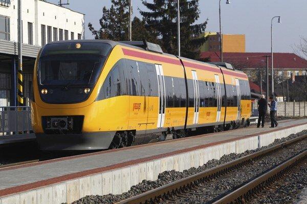 U nás zatiaľ okrem štátnych železníc premáva iba RegioJet.