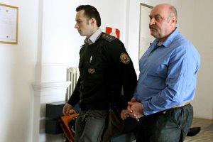 Mikuláš Vareha. Svoj trest si odpykáva vo väzení.