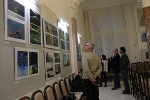 Neprofesionálni fotografi vystavujú vMichalovciach. V rámci výstavy prebieha aj súťaž.