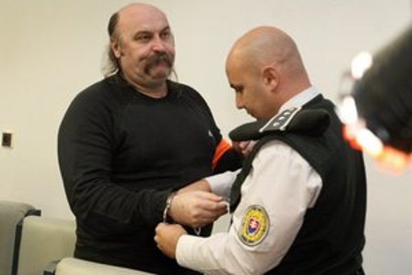 Vareha navrhoval väzbu nahradiť písomným sľubom a kauciou 50-tisíc eur.