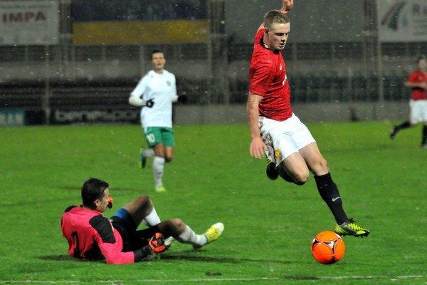 Milan Vinclér (vľavo). Už absolvoval prvý zápas v bráne Sabinova.