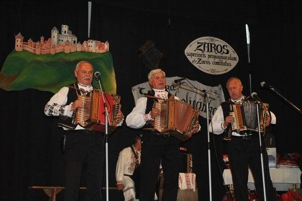 Heligónkari. Zišli sa tu z celého Slovenska aj Čiech.