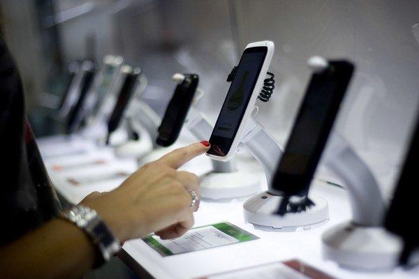 Licencie na nové mobilné frekvencie stále nie sú doriešené.