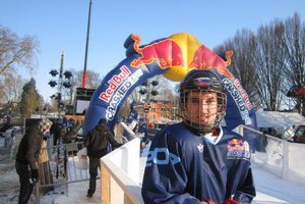 Korčuliar Tomáš Palko. Súboje v ľadovom koryte si užil.