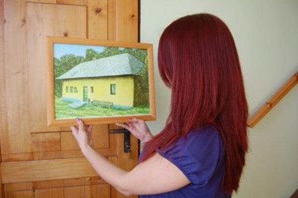 Autorovo dielo. Zachytil dom v Ľutine, ktorý dnes na svojom mieste nestojí.