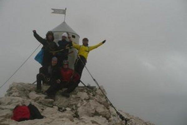 Na Triglave. Cyklisti zdolali aj najvyšší vrh Srbska.
