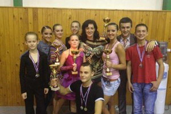 Tanečníci z Lipian. V šiestich kategóriách si vytancovali prvenstvo.