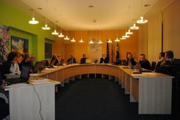 Lipianski poslanci vo štvrtok riešili otázku bytov.