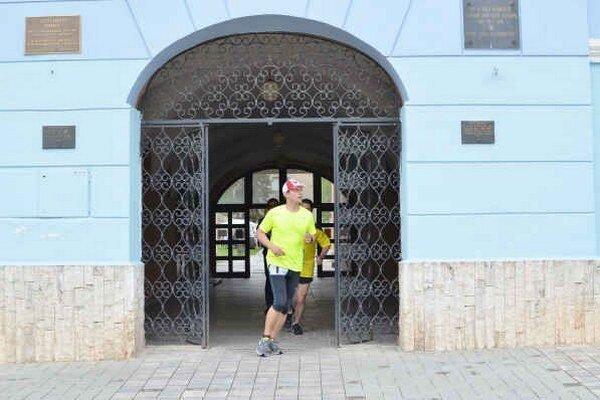 Dva maratóny. Vlani odbehol A. Dovala na Behu s Adrianom vzdialenosť dvoch maratónov.
