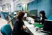 Súhlas s úverovým registrom dá klient pri žiadosti o úver.