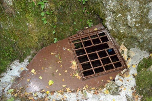 Silická kvapľová jaskyňa. Podľa rožňavských jaskyniarov bola oprava predražená.