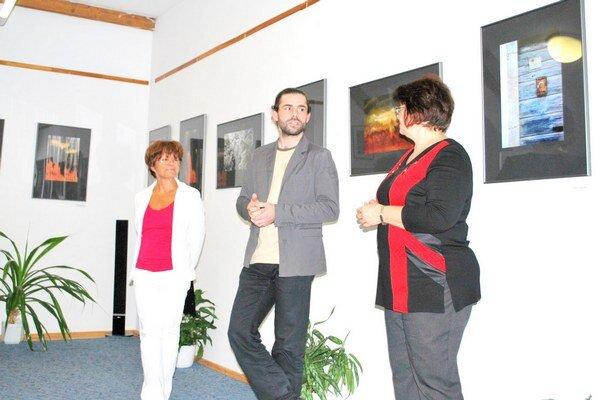 Otvorenie výstavy. Štefan Kesi predstavuje fotografie.