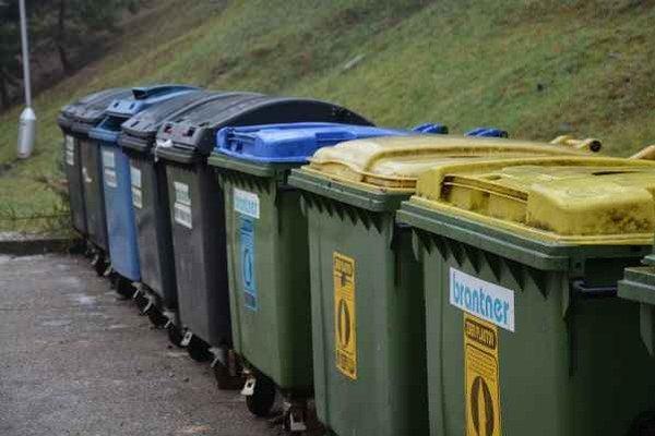 Triedenie odpadu. Za separovanie budú mestá a obce odbremenené.