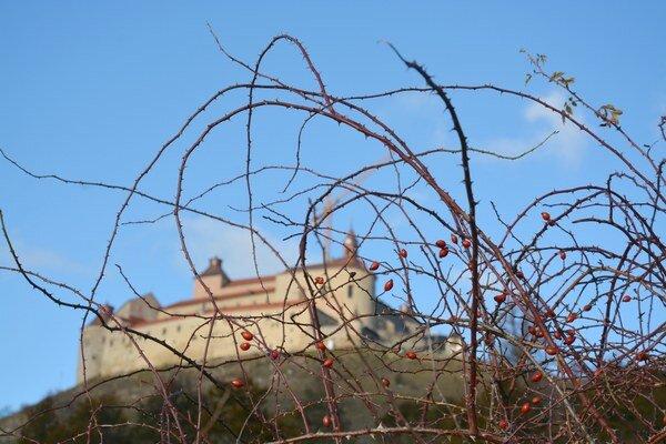 Hrad Krásna Hôrka. Aj niekoľko rokov od požiaru je stále zatvorený.