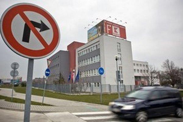 Bratislavská teplárenská zarobila v roku 2011 asi dva milióny eur. Súdi sa o vyše 25 miliónov.