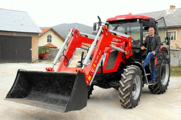 Starosta P. Bollo o obecnom traktore sníval už dlho.