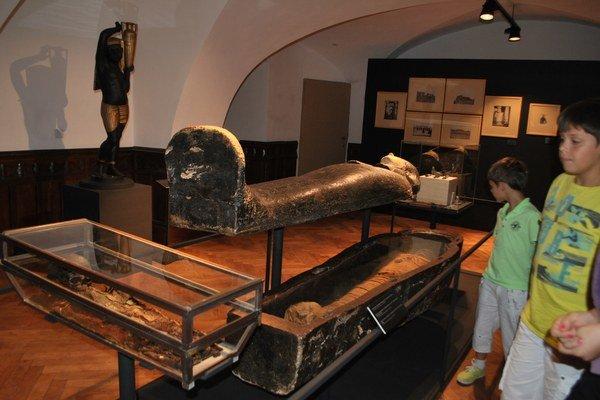 Vzácne múmie sú ťahákom vynovenej expozície v Betliari.