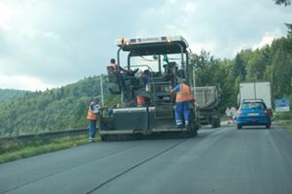 Práce sú skončené. Dobšinský kopec má nový asfalt.