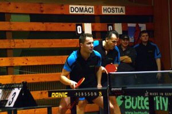 O úspešný vstup do zápasu s Lokomotívou Košice sa v štvorhre postarala dvojica Jozsef Szücs, Gregor Gallo.
