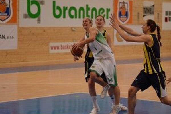 Otázny štart. Po zranení Kataríny Šimkuľákovej v Šamoríne je jej štart v druhom zápase otázny.