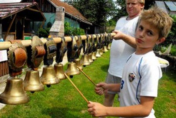 Zvonková muzika. Snom každého zvonkára je vlastnoručne vyrobená zvonkohra.