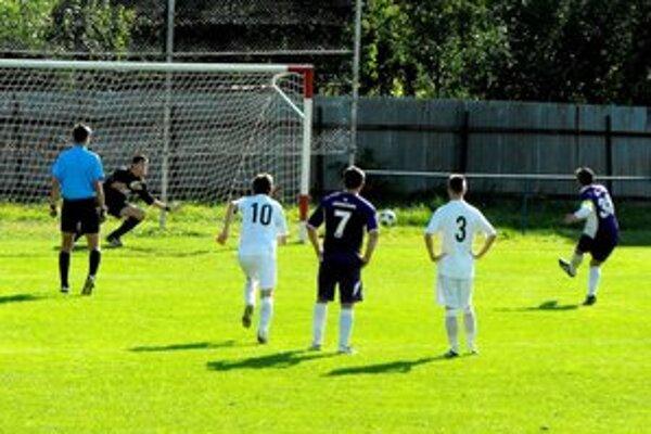 Do polčasu domáci skórovali iba z penalty.
