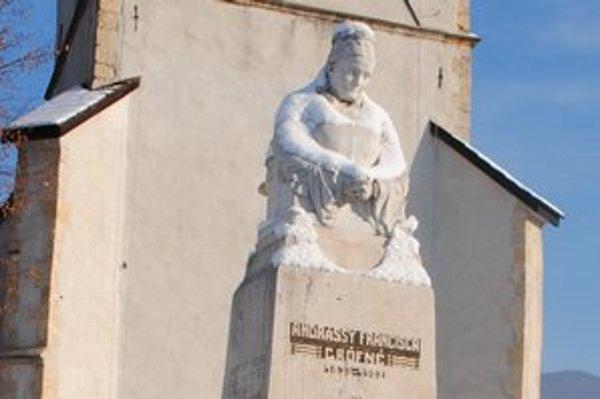 Socha Františky. Pomník patrí k dominantám rožňavského námestia.
